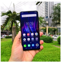 keunggulan Oppo F9 dibanding Vivo V11 Pro